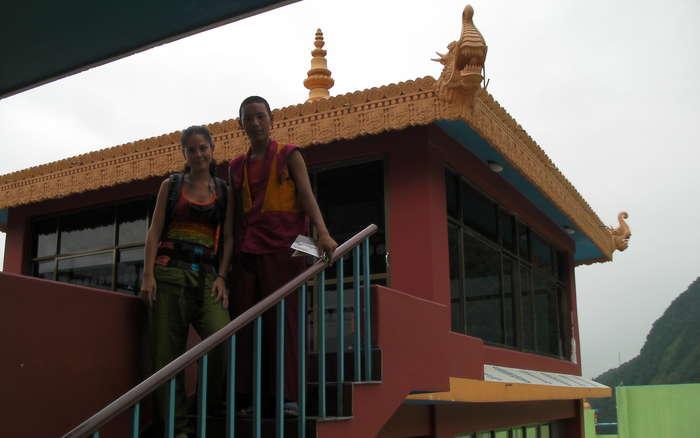 Chico que nos enseno el templo tibetano
