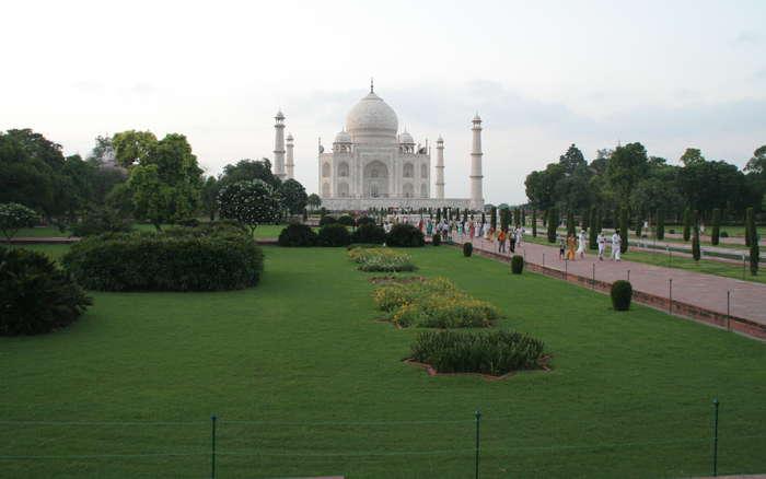Taj Mahal desde la entrada