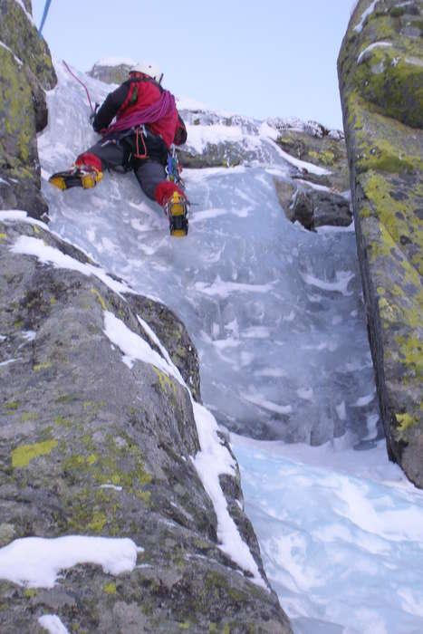 Oscar en la cascada feroz