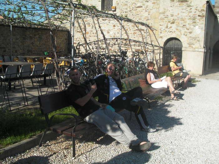 Descansando en  el albergue de Ponferrada