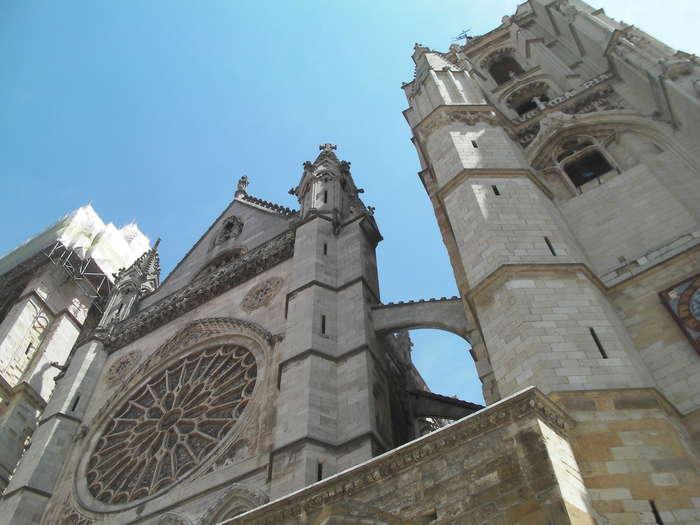 Plano picado de la catedral de Leon